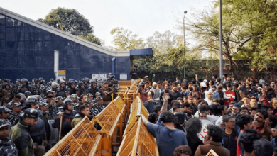 Photo of Bangles were waved at Delhi police as Jamia march is foiled