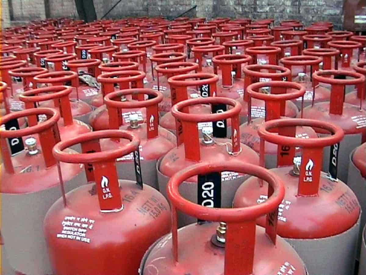 LPG cylinder price shoot up to Rs 144.5, biggest hike in 6 ...