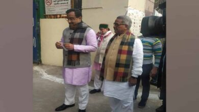 Photo of Madhav, RSS's Gopal cast vote at Jhandewalan polling station