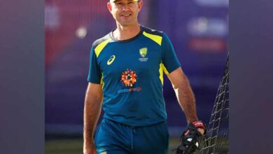 Photo of Ponting practices at net session ahead of Bushfire Bash