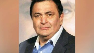 Photo of Rishi Kapoor undergoing treatment for infection
