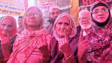 Photo of Delhi polls: AAP wins minority seats, dashes Congress hopes