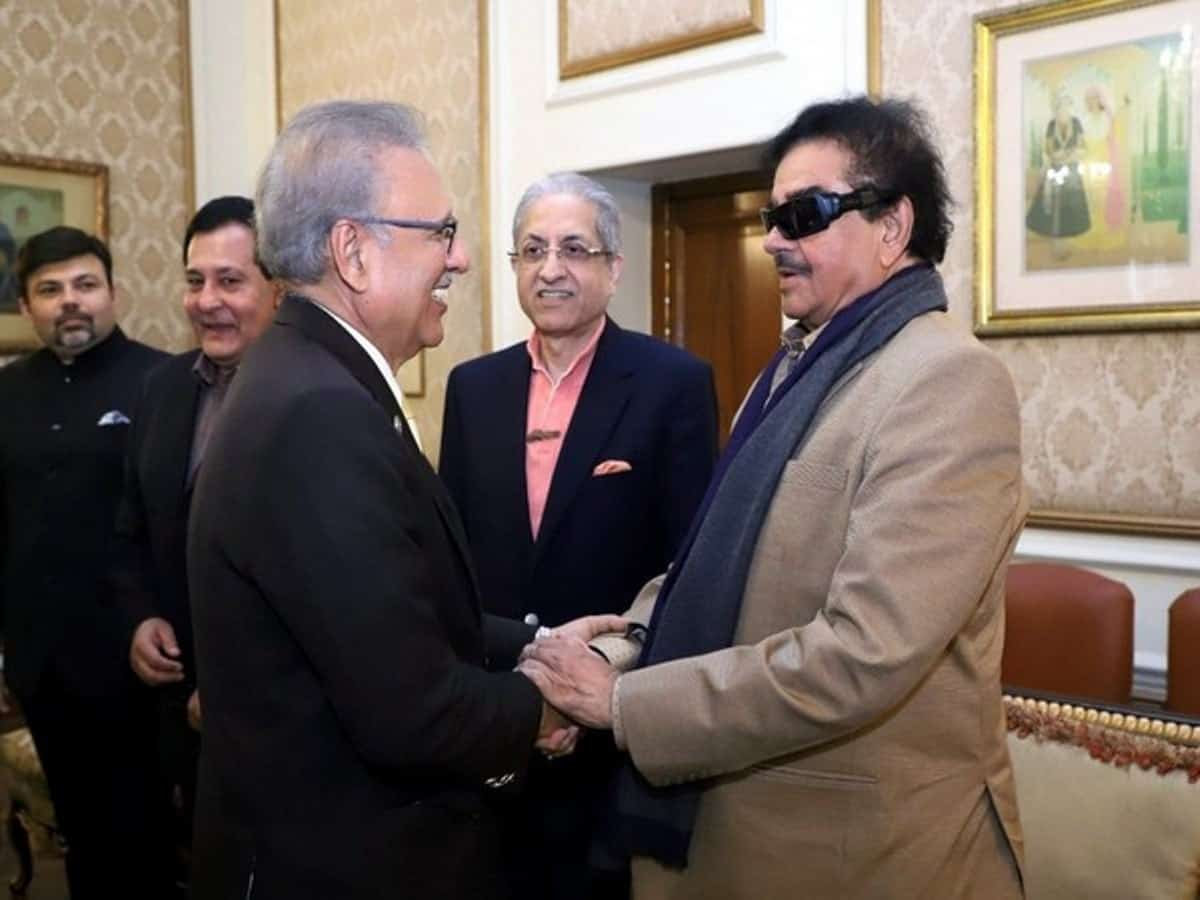 Shatrughan Sinha meets Pak President in Lahore