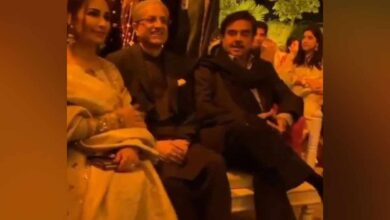Photo of Shatrughan Sinha attends Pak wedding, draws social media ire