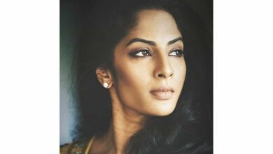 Photo of Sriya Reddy raises the fitness 'bar' even while travelling