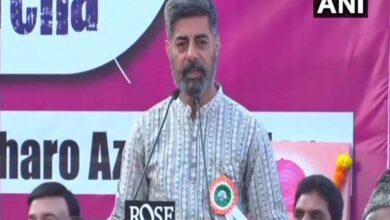 Photo of Sushant Singh addresses anti-CAA meeting, criticizes govt.