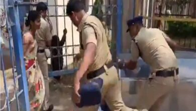 Photo of Video of cops thrashing deceased girl's father goes viral