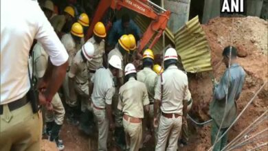 Photo of 2 killed, 1 injured due to wall collapse in Mangaluru