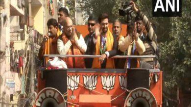 Photo of Shah holds roadshow in Delhi's Seemapuri ahead of Assembly polls