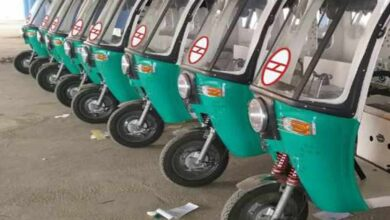 Photo of Hyd e-rikshaws for Delhi metro rail passengers