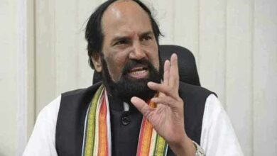 Photo of Hyderabad: Uttam Kumar Reddy asks KCR to announce new PRC