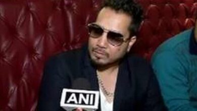 Photo of Mika Singh's staff member commits suicide