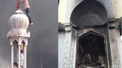 Photo of Mosque in Delhi set on fire, bhagwa flag hoisted on minaret