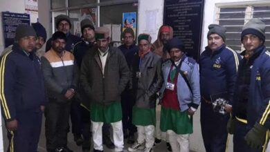 Photo of Nine people rescued by SDRF from snow-covered area in Dehradun