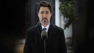 Photo of Trudeau says Canada-US border won't reopen for 'many weeks'
