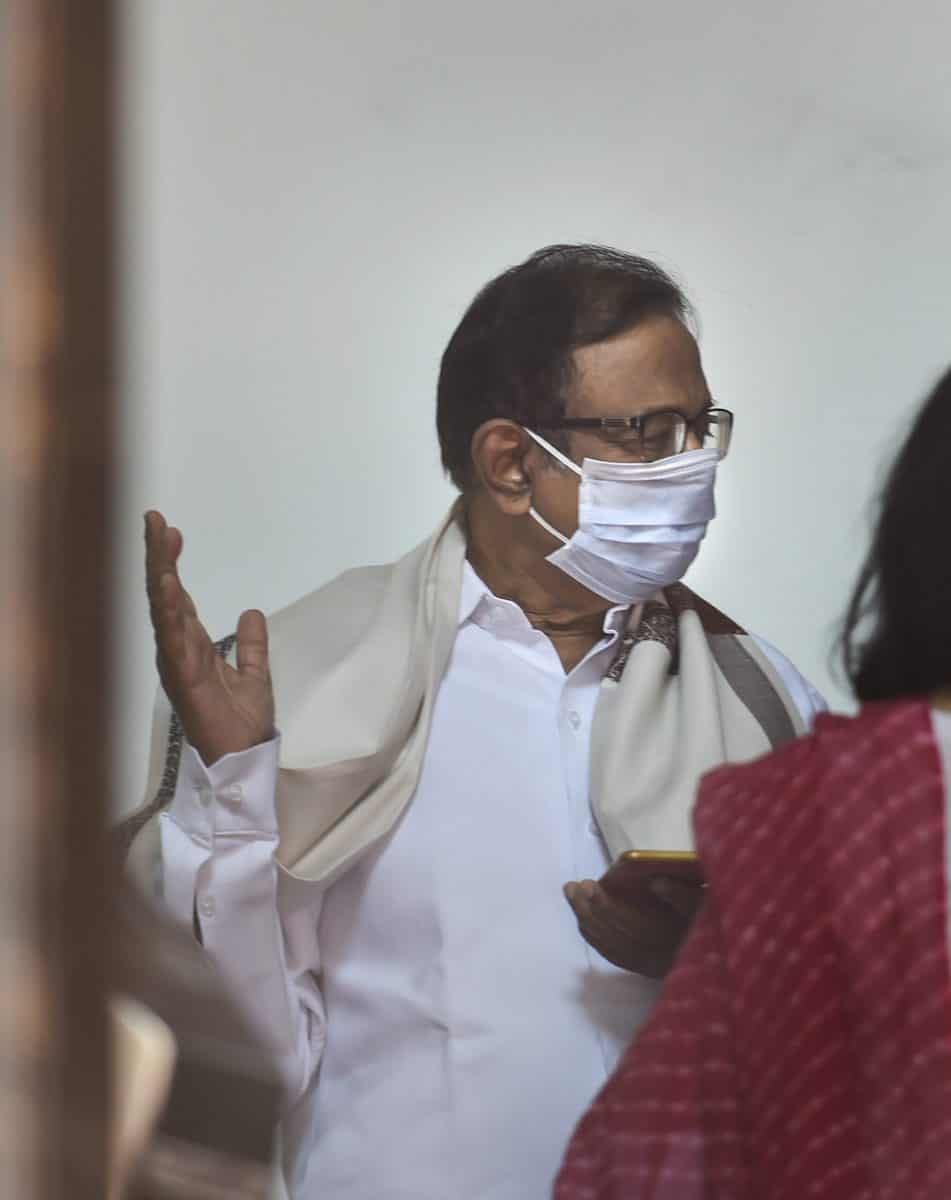 Chidambaram wears mask at Parliament