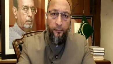 Photo of Owaisi urges T'gana to implement NHRC order in encounter case