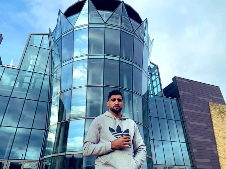 Boxer Amir Khan offers 4-storey building to COVID-19 patients thumbnail