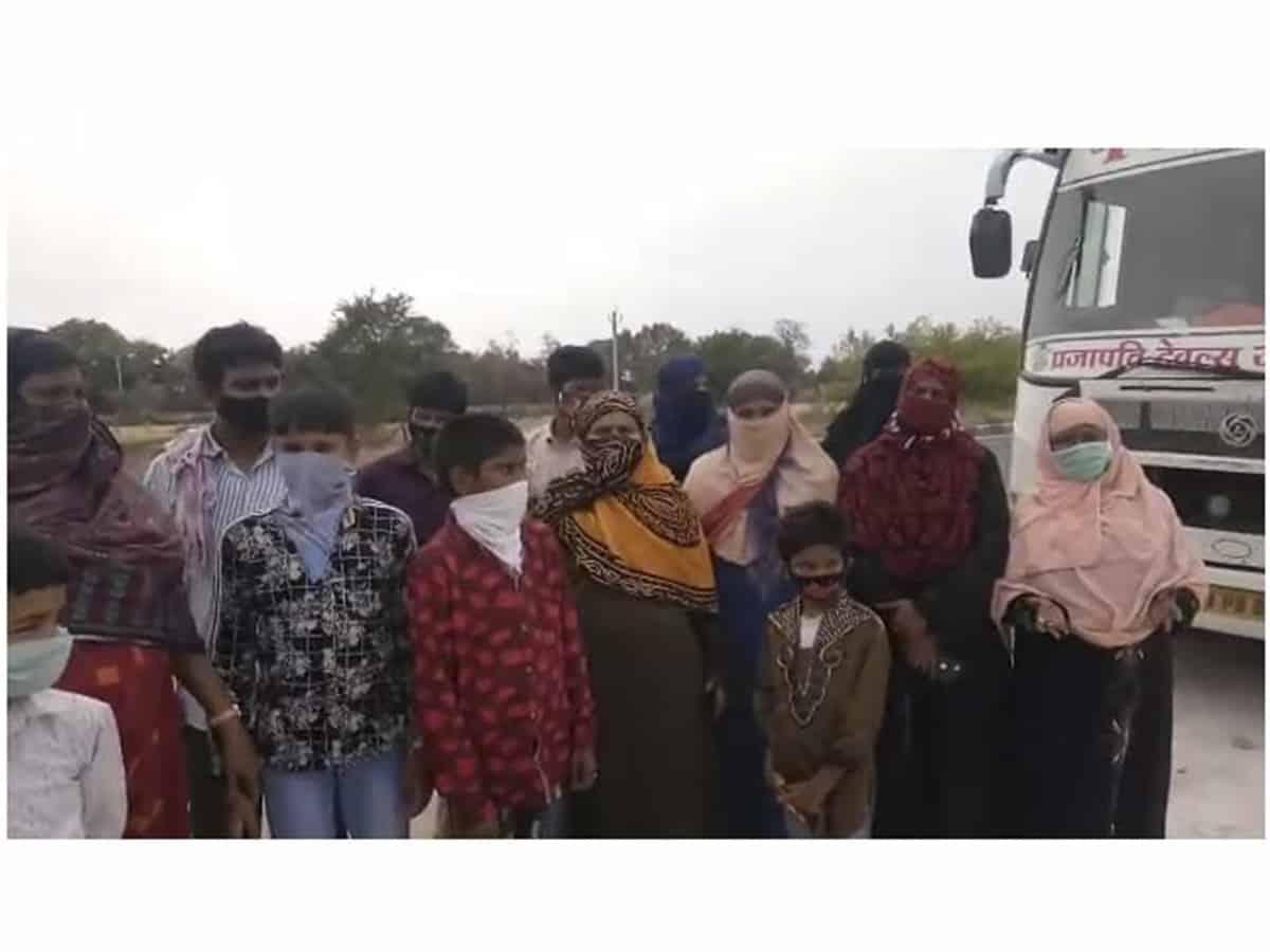COVID times: Hyderabadi people plea for help at MP border