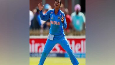 Photo of West Bengal govt felicitates cricketer Deepti Sharma