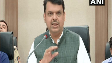 Photo of Oppn to support Maha govt in tackling coronavirus: Fadnavis