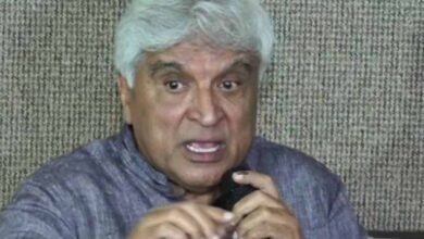 Photo of Javed Akhtar not a Muslim, has RSS connections: MIM leader