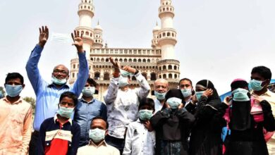 Photo of Maqdoom Brothers distribute free mask near Charminar