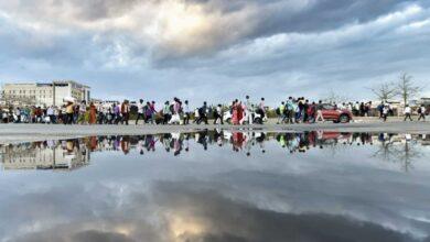 Coronavirus lockdown: Migrant workers walk to their villages