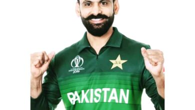 Photo of Day after being declared COVID-19 positive, Hafeez tests negative