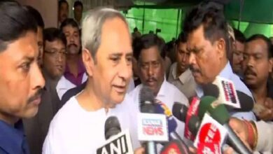 Photo of Patnaik speaks to Mamata, assures support amid Amphan crisis