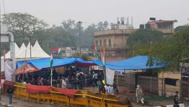 Photo of Cops seal Nizamuddin as 200 people taken for Covid-19 test