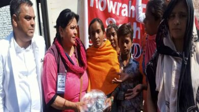Photo of Team of Howrah, Delhi comrades visit riot-affected areas
