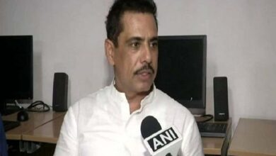 Photo of Robert Vadra urges people to stay at home