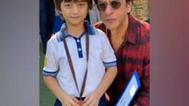 Photo of SRK shares adorable sketch, scribbled by AbRam