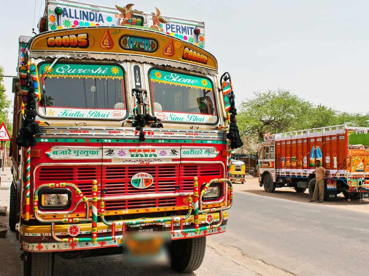 Truck driver shot at for refusing to pay bribe, three police