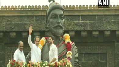 Photo of CM Uddhav Thackeray pays tribute to Chhatrapati Shivaji Maharaj