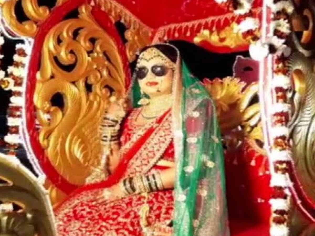 Lucknow bride flips rules; brings 'baraat' to her wedding