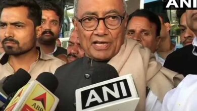 Photo of Digvijaya leaves for Bhopal, says no risk to MP govt