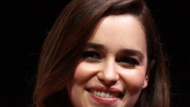 Photo of Emilia Clarke doesn't like to date actors