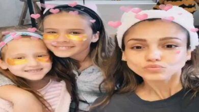 Photo of Jessica Alba shares self care-session with kids