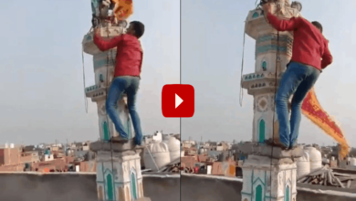 Photo of Hindu youth takes down bhagwa flag from Mosque, video goes viral