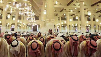 Photo of COVID-19: Saudi Arabia suspends prayers at all mosques