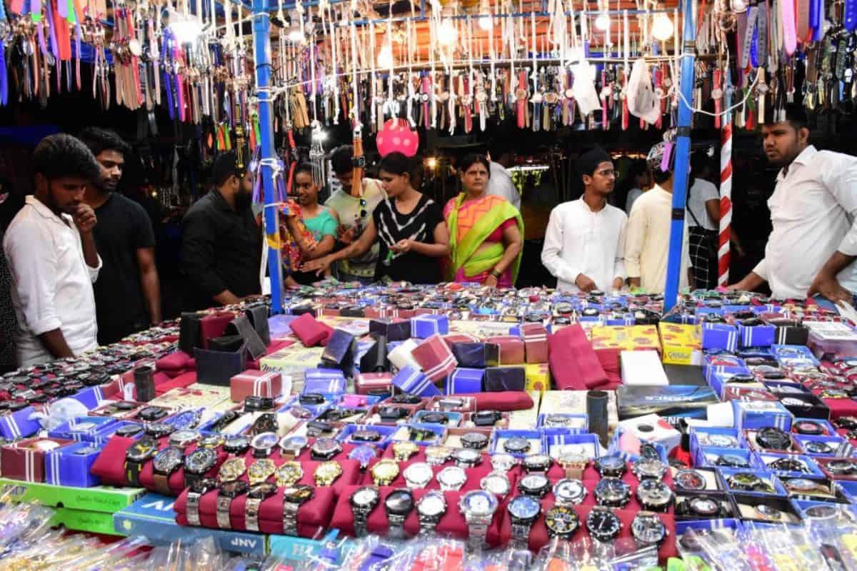 Likelihood of extended lockdown worries Ramadan season traders