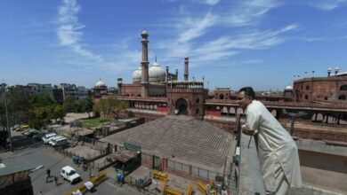 New Delhi: Jama Masjid is seen in the backdrop of a clear-blue sky during a government-imposed nationwide lockdown in the wake of coronavirus outbreak, in New Delhi, Friday, April 3, 2020. (PTI Photo/Shahbaz Khan)
