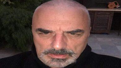 Photo of Chris Noth shocks fans by shaving his head amid quarantine