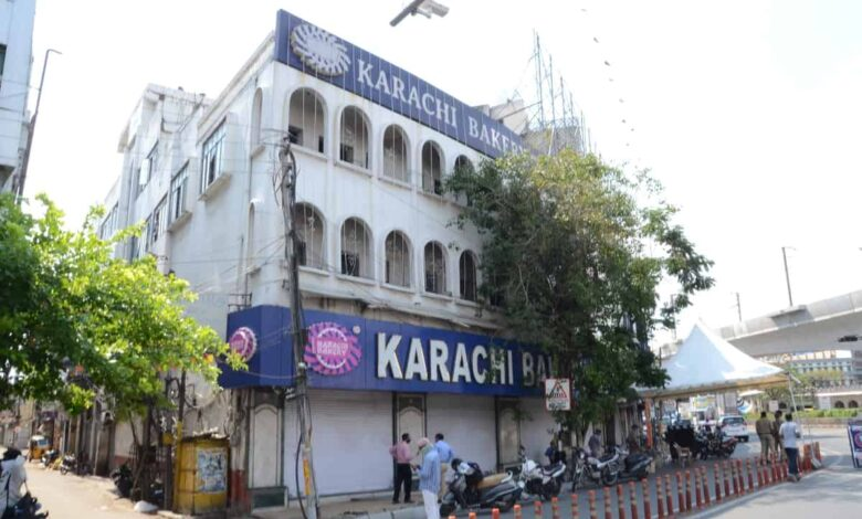 Hyderabad: Thief decamp with 10 Lakh cash from Karachi Bakery