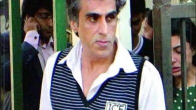 Photo of After daughters, Karim Morani tests positive for COVID-19