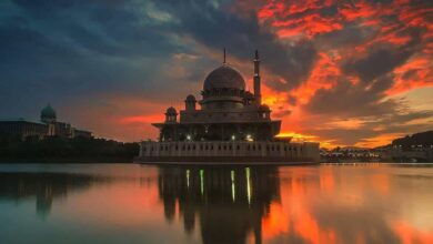 Photo of Indo-Islamic poetry sensitively tackles Cosmology and Paradise
