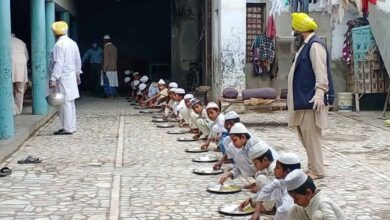 COVID-19 Lockdown: Gurdwara Feeds Madarsa Students in Malerkotla