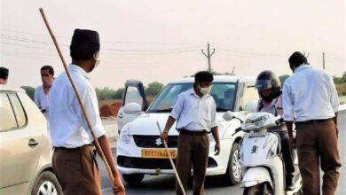 Photo of Hyderabad: Lathi-wielding RSS men manning checkpoint